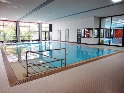Sanierung der 3 – fach Turnhalle an der Gesamtschule in Erlangen – Spardorf inkl. Sanierung Hallenbad